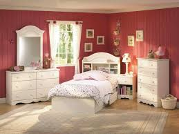 Chic Small Bedroom Ideas by Pink And White Small Bedroom Ideas Bedroom Ideas Decor
