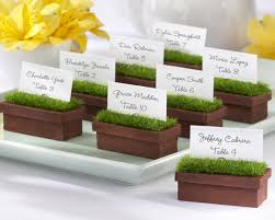 unique wedding favors 10 unique wedding favor ideas bravobride