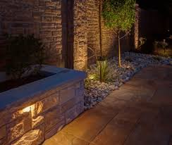 Landscape Lighting Wall Wash - 5 landscape lighting ideas for your swimming pool