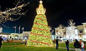 zona rosa tree lighting 7 festive kc holiday districts visit kc