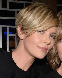 the blonde short hair woman on beverly hills housewives 50 amazing short cut hairstyles ideas charlize theron short