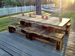 pallet patio table like table but with chairs not benches or