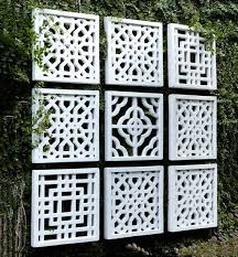 garden wall to liven up the boring dead wall in your garden