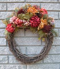 difference between wreath garland and laurel language
