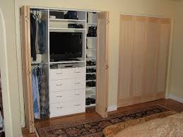 Folding Doors For Closets Benefits Of Using The Bifold Closet Door Ideas Hans Fallada Door