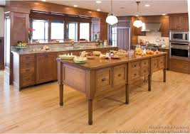 Wood Floor Kitchen by Shaker Kitchen Cabinets Door Styles Designs And Pictures