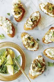 boursin cuisine recettes crostinis aux chignons citronnés et au boursin échalote