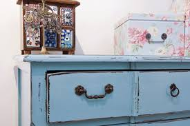 Recycle Sofas Free How To Paint Old Furniture Wood Metal Plastic Diy True