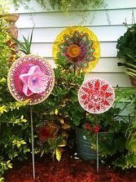 Recycled Garden Art Ideas - 1852 best totems glass crafts images on pinterest glass garden