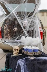 Halloween Costumes Car Spooky Spiders U0027 Den Halloween Trunk Treat Ideas Tikkido