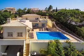 Rent Villa Andorinha de Zwaluw in Carvoeiro Algarve  Micazu