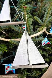 unique ways to decorate a nautical tree an