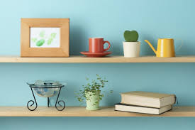 Apartment Warming Gift by 10 Inexpensive Housewarming Gifts For A Small Apartment Friend