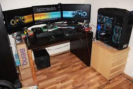 amazing computer setups and gaming setup with triple screen