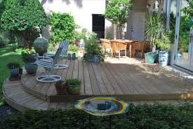 exterior small back yardwith patio using ourdor furniture and