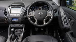 suv hyundai ix35 hyundai ix35 suv 2009 2016 interior dashboard satnav carbuyer
