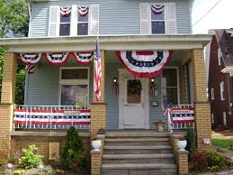 Porch Flag Creative Ways To Display Your U S Flags And Decorate Outdoors