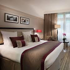 chambre d hotel luxe visitez le nouvel hôtel de luxe ambassador opéra une chambre