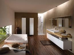 badewanne bette spa im bad mit hölzernen badmöbeln badezimmer