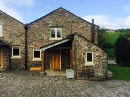 beautiful 2 bedroom peak district holiday appartment double bed