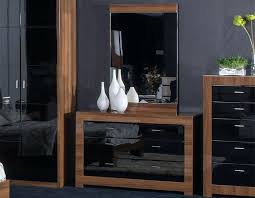 Black Gloss Bedroom Furniture Uk Black Shiny Bedroom Furniture Bedroom Furniture 3 Set Black