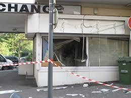 bureau de change suisse 20 minutes attaque à l explosif les braqueurs n ont rien volé