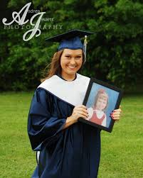 caps and gowns for high school graduation senior pictures cap and gown photography www