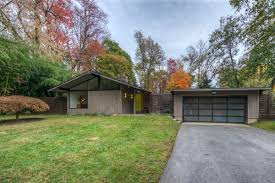 classic midcentury modern by hugh stubbins lists in media for 575