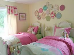 chambre a deux lits la déco chambre enfant douce et amusante archzine fr room