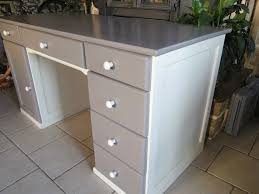 relooker un bureau en bois repeindre un bureau en bois lzzy co