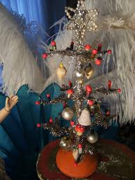 beautiful antique christmas tree for your dolls from