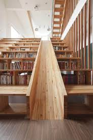 maison interieur bois escalier toboggan d u0027intérieur pour transformer la maison en aire