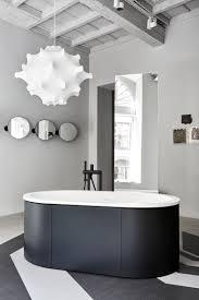 Salle De Bain Noir Et Blanc Design by Une Salle De Bains Moderne En Noir Et Blanc Chic Design
