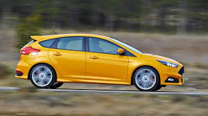 ford focus carbuyer ford focus st hatchback engines top speed performance carbuyer