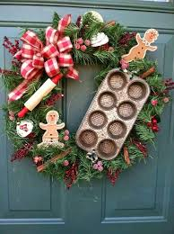 Images Of Decorated Christmas Wreaths by Best 25 Gingerbread Christmas Decor Ideas On Pinterest