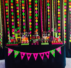 Disco Party Centerpieces Ideas by Best 25 Neon Party Decorations Ideas On Pinterest Glow Party