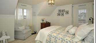 Remodelaholic Absolutely StunningCape Cod Room Styling - Cape cod bedroom ideas