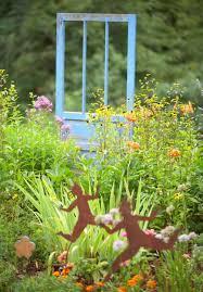 Recycled Garden Decor Garden Art Anyone Can Create Midwest Living