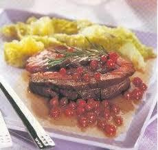 cuisiner les airelles rôti d autruche aux airelles recettes a cuisiner simplement