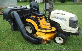 2006 cub cadet 2500 series lawn mower item az9862 sold