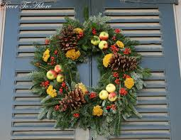 live christmas wreaths the wreaths of colonial williamsburg decor to adore
