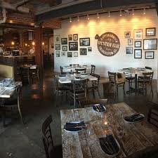 Top 10 Bars In Charleston Sc Rappahannock Oyster Bar Charleston Restaurant Charleston Sc