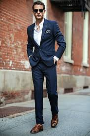 costume bleu marine mariage les 3 costumes essentiels la base d un bon dressing costume