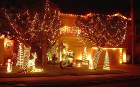 decoration ideas for christmas decorating using garden lighting