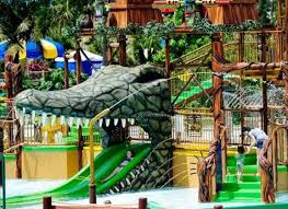 Six Flags Fort Worth 10 Best Year Round Amusement Parks In The Us Huffpost