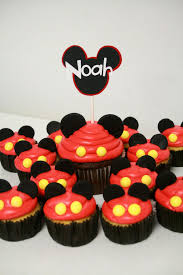 mickey mouse cupcakes for raine s bday could use mini oreos or peppermint patties as