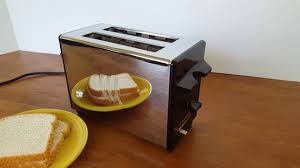 Toastmaster Toaster Vintage Toastmaster B700a Chrome Toaster In Action Youtube