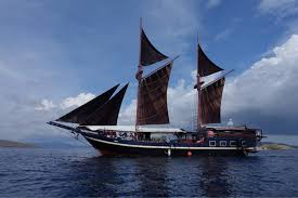 jaya scuba republic liveaboard in indonesia diviac