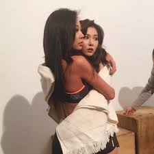 hyuna is as sexy as ever in recent photo shoot soompi jessi greets hyuna i ll protect you and shows off their sexy