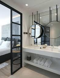 hotel chambre avec miroir au plafond chambre avec miroir 1 coiffeuse avec miroir dans la chambre a